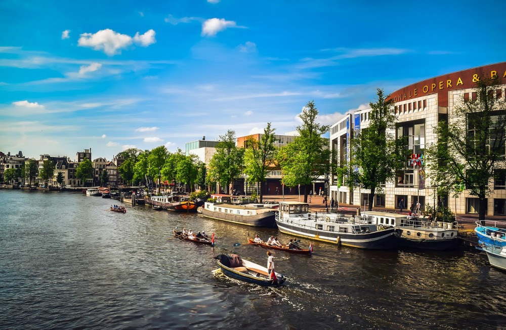 amsterdam-1977004_1280